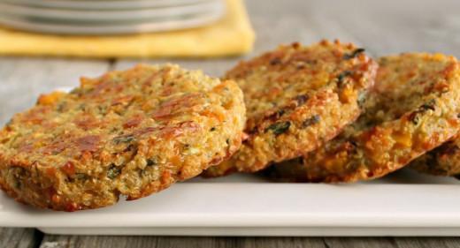 Hambúrguer vegetariano de quinoa e cogumelos | Natural Brasil